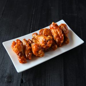 Крылышки куриные обжареные с перцем чили