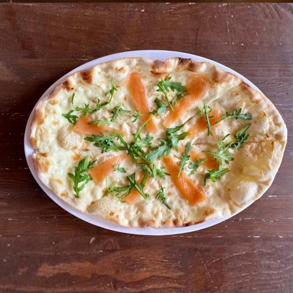 лосось пицца