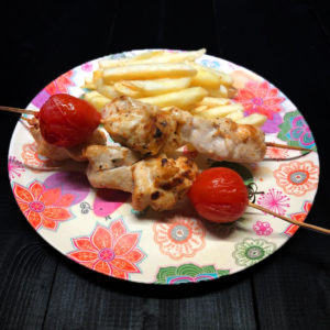 Шашлычок из курочки с картофелем фри