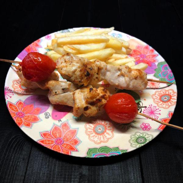 Шашлычок из курочки с картофелем фри 1