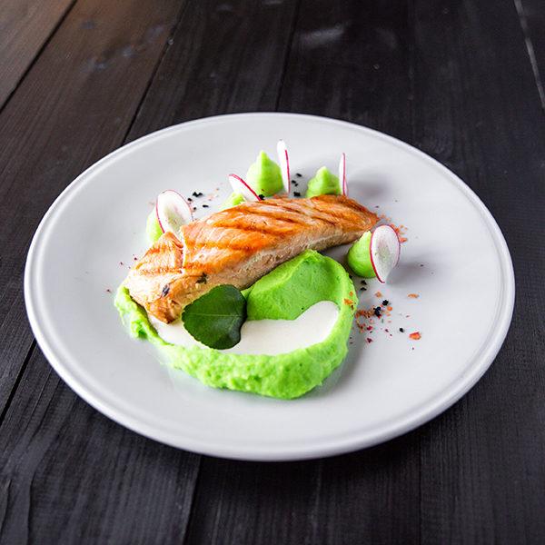 Семга су-вид со сливочным соусом с гарниром на выбор 1